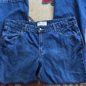Levi Strauss Stretch low rise bootcut 16 short